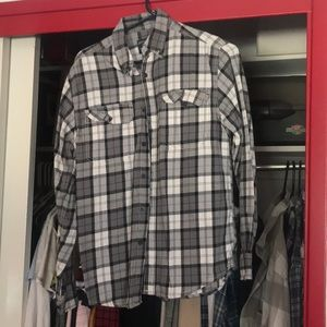 Other - Black and white flannel shirt